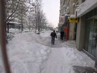 Proprietarii din Cluj au primit peste 850 de somatii pentru ca nu au curatat gheata de pe trotuare