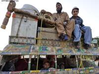 Drumul Iadului. Reportaj din Pakistan, unde oamenii isi risca vietile pentru un pumn de dolari.VIDEO