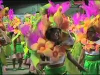 Parada scolilor de samba, urmarita de 70.000 de oameni. Cel mai bun moment al carnavalului de la Rio