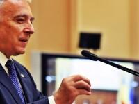 Isarescu: Reintregirea salariilor bugetarilor va avea un impact limitat daca se respecta deficitul