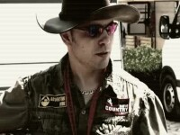 Vicecampion national la motociclism, mort intr-un accident stupid.A fost strivit de masina, in garaj
