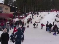 Ultimele zile de iarna pe partiile de la munte. Concurs inedit, de saniute cu volan la Cavnic
