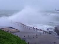 Stare de alerta in Europa. Franta si Marea Britanie, maturate de furtuni; ninsori puternice in Polonia