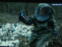 Garda de Mediu in alerta la Arad. 150 de recipiente cu reactivi chimici, gasite de un padurar langa un drum national