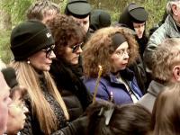 Romanita Iovan a mers in Apuseni, in sambata mortilor. A lasat la crucea lui Adrian Iovan o amintirea din partea fiului lor