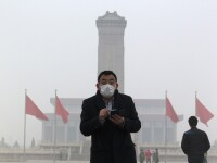 Beijingul, in premiera, sub cod portocaliu de smog. Poluarea de 15 ori mai mare decat maxima admisa