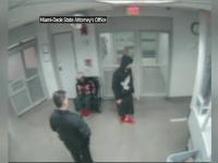 Noi imagini filmate cu Justin Bieber in arestul politiei. Ce se intampla cand e pus sa mearga in linie dreapta