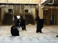 Pozele publicate online de doua surori gemene care s-au maritat cu jihadisti dupa ce au fugit din Anglia