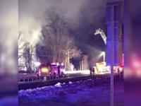 Grav accident feroviar in New York. Sapte persoane au murit si alte 12 au fost ranite, dupa ce un tren a lovit o masina