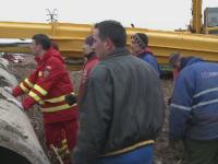 Accident teribil in Arad. Un barbat s-a prabusit cu macaraua si a fost prins intre fiare