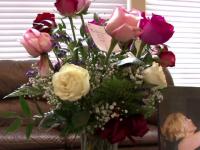 O femeie din SUA a primit un buchet de trandafiri de la sotul decedat. Cand a sunat la florarie, a avut o adevarata surpriza