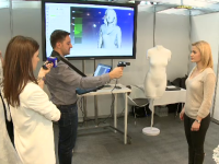 Nuntile au ajuns in era digitala. Cum arata rochia de mireasa creata cu ajutorul unui avatar si cununia filmata cu drona