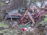 Situatie dramatica in Gorj, din cauza alunecarilor de teren. O casa a fost inghitita de pamant in cateva clipe