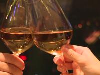 VALENTINE\'S DAY. Ofertele restaurantelor pentru cupluri: cat costa o cina romantica la etajul 18