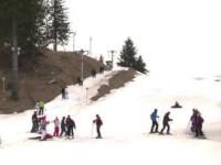 Cel mai slab sezon de schi al deceniului, in statiunile din Romania. Hotelierii aduc zapada noaptea si o tin la umbra