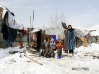 Peste 119 de persoane au murit, in urma unor avalanse la granita dintre Afghanistan si Pakistan
