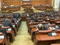 Bugetul pe 2017, dezbatut in plen. UDMR se mai gandeste daca il voteaza, Traian Basescu l-a comparat cu un ceferist beat