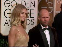 Jason Statham si Rosie Huntington-Whiteley se pregatesc sa devina parinti. Modelul a anuntat pe Instagram ca este gravida