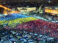Presa externa a prezentat pe larg a 13-a zi de proteste in Piata Victoriei si momentul tricolorului. Gestul Gabrielei Firea