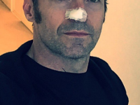 Hugh Jackman continua lupta cu cancerul, dupa ce boala a recidivat a patra oara. Imaginea postata de actor
