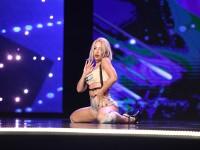 Este blonda, are trup tras prin inel si a dansat senzual. Concurenta frumoasa care i-a hipnotizat pe toti cei prezenti