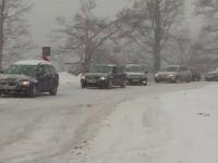 Soferi surprinsi nepregatiti de zapada si-n februarie dupa ce iarna s-a intors in unele zone din tara. Prognoza meteo
