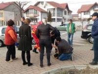"""Reacția trecătorilor atunci când o femeie din Focșani a leșinat pe stradă. """"Sunt șocată"""""""