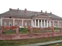 Bijuteriile arhitecturale ale României, lăsate în paragină. Ruinele ar putea fi transformate în afaceri profitabile