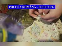Doi tineri din Târgoviște au fost prinși în flagrant în timp ce vindeau droguri