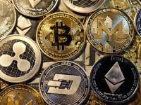 Au făcut miliarde de dolari peste noapte din Bitcoin şi alte monede virtuale