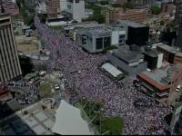 Zeci de mii de oameni în stradă în Venezuela. Dezvăluirea unui general de rang înalt