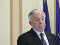 Isărescu cere să fie trecut la excepție în legea care interzice cumulul pensiei cu salariul ca să nu își piardă fucția