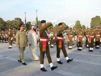 Cadou controversat pentru Mohammed bin Salman. Cine i-a oferit o mitralieră placată cu aur