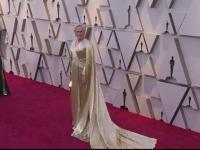 Oscar 2019. Glenn Close, pe covorul roșu cu o rochie cu trenă de 19 kilograme