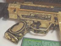 Muzeul secret al traficanților de droguri. Piesa de rezistență, pistolul lui El Chapo