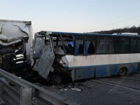 Grav accident în Bistrița-Năsăud, între un autobuz și un autocamion. Un mort și 5 răniți