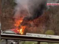 Accident feroviar în SUA. Locomotiva și mai multe vagoane au deraiat și au ajuns într-un râu