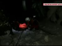 Operațiune dificilă de salvare a unui tânăr pe care l-a prins noaptea pe munte