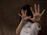 Fetiță de 8 ani, torturată și ucisă pentru că a lăsat mai mulți papagali să scape dintr-o cușcă. Drama copilei