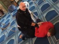 Un bărbat a fost înjunghiat într-o moschee din Londra. Poliția a capturat un suspect