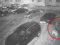 Caz neobișnuit în Bacău. Motivul pentru care un om al străzii a spart o mașină parcată