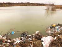 Depozitele ilegale de gunoi de pe Argeș se văd din satelit. Satul cu două gări și niciun tren