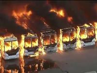 Incendiu devastator la periferia orașului Los Angeles. Zeci de autobuze au fost cuprinse de flăcări