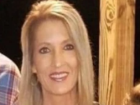 O femeie din Texas a murit, după ce o anvelopă desprinsă de pe un camion a lovit parbrizul mașinii sale