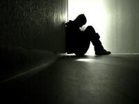 Zeci de tentative de sinucidere de sarbatori!