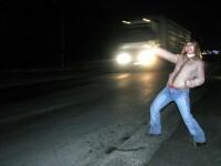 Santajati de doua prostituate, care i-au filmat si i-au pozat