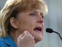 Merkel se teme de colapsul monedei euro din cauza crizei din Grecia