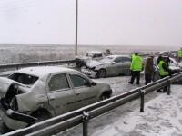 Zece accidente usoare pe Autostrada Soarelui, din cauza ninsorii