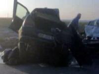 A scapat ca prin minune dupa ce masina i s-a rupt in doua intr-un accident