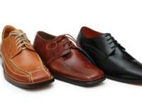 Si-a vazut cu poza pe eticheta unor pantofi si-si cere dreptul in justitie